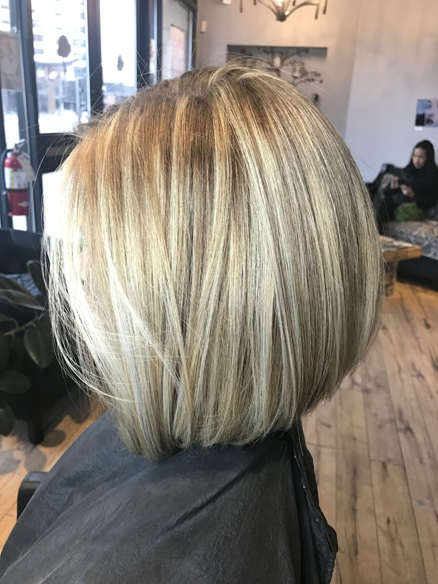 Highlight hair color blonde short hair